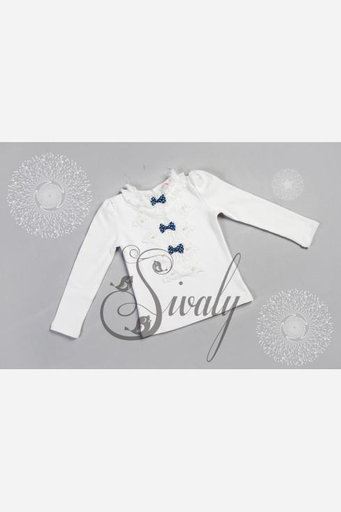Блузка с изящными кружевами