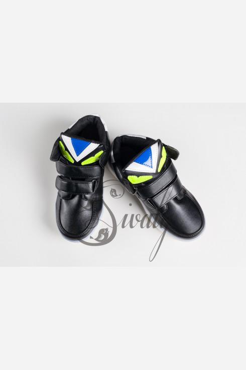 Спортивные ботинки